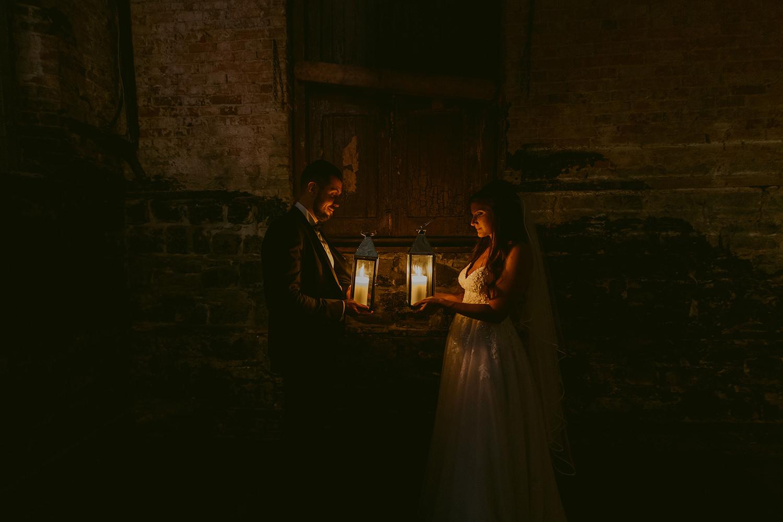 berkeley-church-toronto-lantern-best-wedding-photographer-2